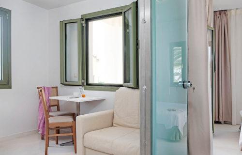 Aphrodite Hotel & Suites – Junior Suite with Sea View (3)